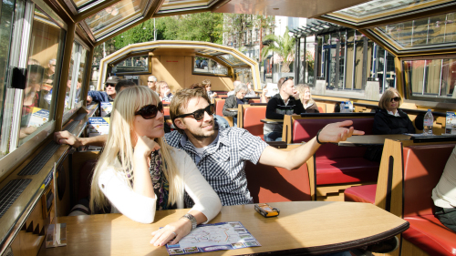 Fast-Track Van Gogh Museum & Sightseeing Canal Cruise