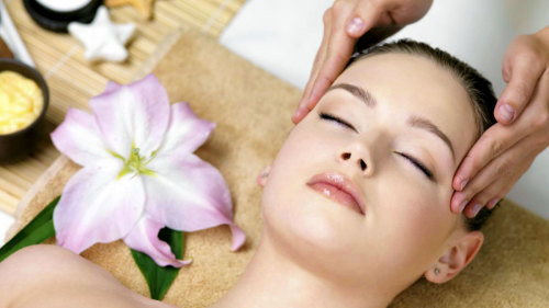 Moisturizing Facial Treatment by Athens Fish Spa
