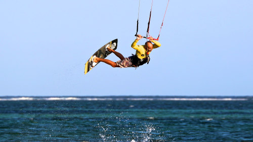 Kite Surfing by Rip Curl School of Surf