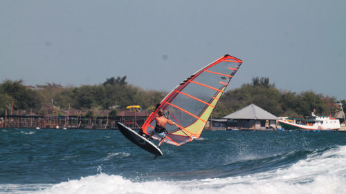 Private Windsurfing Lesson by Rip Curl School of Surf