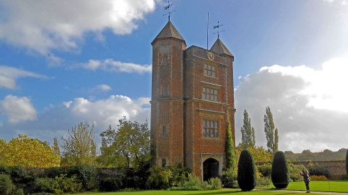 Rye, Hastings & Sissinghurst Tour by Miki Tourist