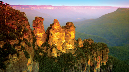 2-Day Blue Mountains Transfer & Tour by AAT Kings