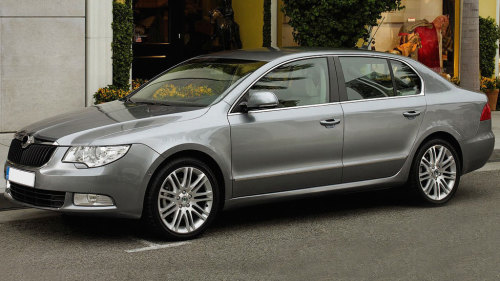 Private Standard Car: Brisbane Airport (BNE) - Gold Coast