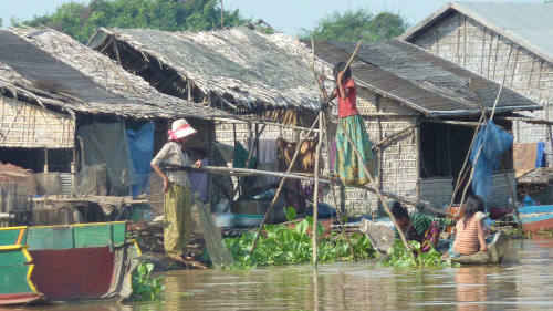 Tonlé Sap Lake Tour with Sunset Dinner Cruise by Threeland Travel