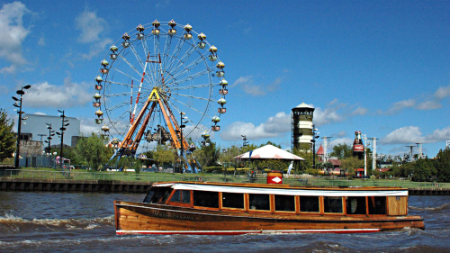Tigre Island Town Tour & Delta River Cruise with Lunch