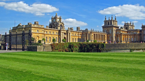 Blenheim Palace & the Cotswolds Full-Day Tour by Golden Tours