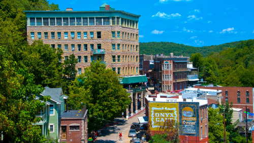 Eureka Springs Day Excursion & Open-Air Tram