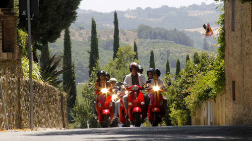 Full-Day Tour of Chianti by Vespa with Lunch