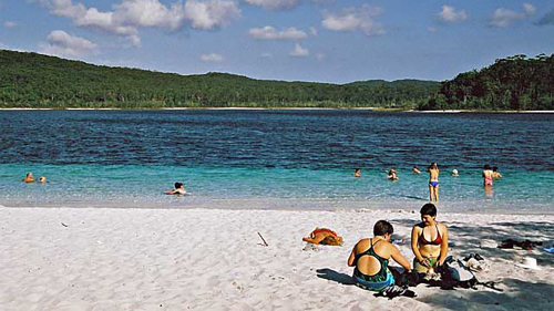 2-Day Fraser Island 4x4 Adventure Tour by Sunrover Expeditions