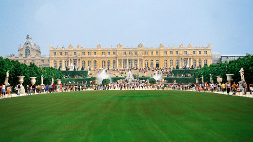 Versailles & Giverny Full-Day Trip