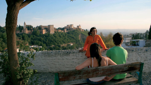 Albayzín & Sacromonte Walking Tour & Hop-on Hop-off City Tour