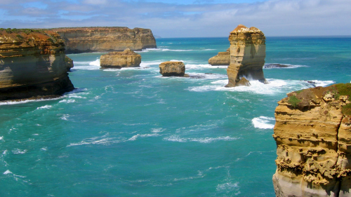 Twelve Apostles Direct Tour by Melbourne