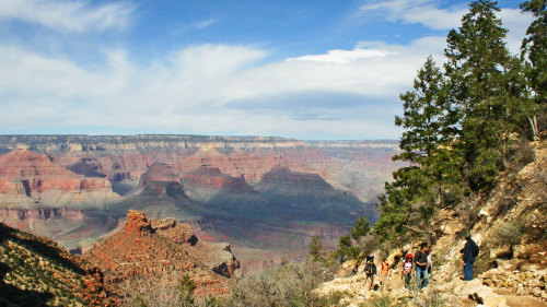 Grand Canyon South Rim Bus Tour by SWEETours