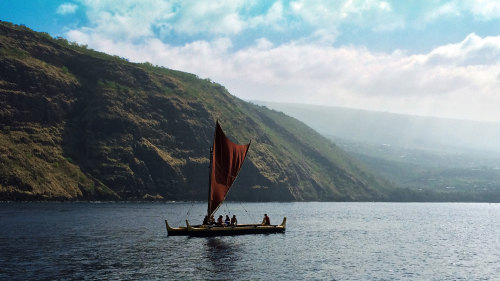 Small-Group Kealakekua Bay Snorkeling & Historical Sailing Canoe Tour