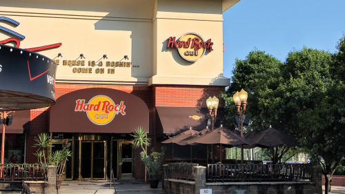 Dining at Hard Rock Cafe with Priority Seating