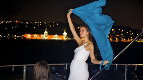 Bosphorus Dinner Cruise, Belly-Dance Show & Live Music by Plan Tours