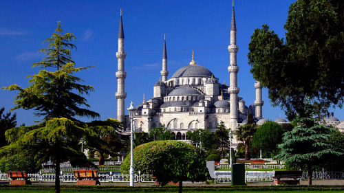 Hagia Sophia, Blue Mosque, Grand Bazaar & Topkapi Palace Full-Day Tour