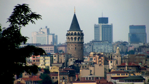 Small-Group Old & New Istanbul Walking Tour by Urban Adventures