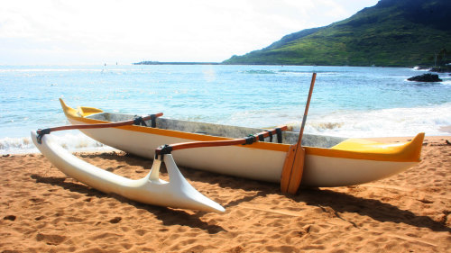 Outrigger Canoe Surfing Tour