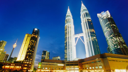 Private Night City Tour With Dinner by Tour & Incentive Travel