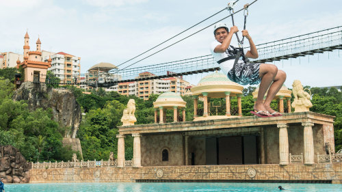 Sunway Lagoon 1-Day Admission Pass with Food Voucher