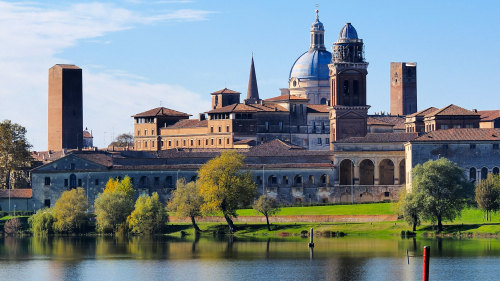 Day Trip to Mantua by Train with Mincio River Cruise by Veditalia
