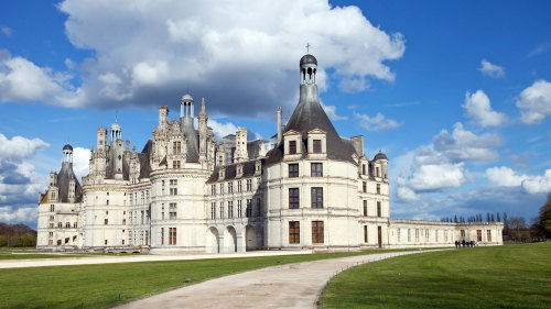 2-Day Mont Saint Michel & Loire Valley Castles Tour