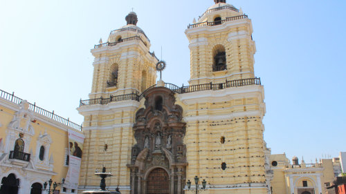 Small-group Lima Discovery Tour by Urban Adventures