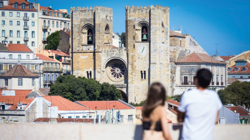 Private Best of Lisbon Walking Tour & Winetasting