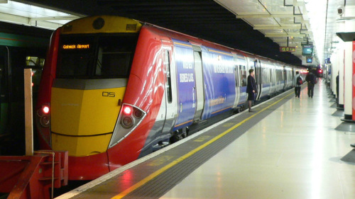 Gatwick Express: Airport - Victoria Train Station