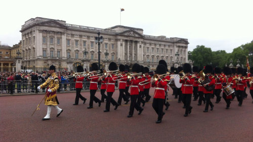 Buckingham Palace & Changing of the Guard with Afternoon Tea
