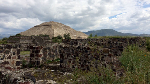 Early Access to Teotihuacan