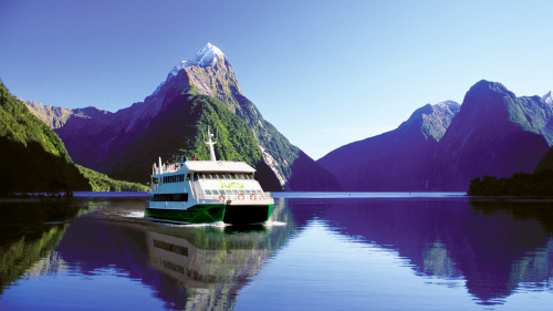 Milford Sound Coach & Cruise Full-Day Tour by JUCY Cruise