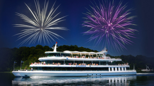 Dinner Cruise on Lake Starnberg with Classical Music & Fireworks