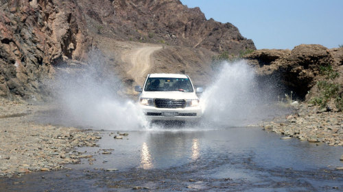 Nizwa & Hajjar Mountains Full-Day Tour