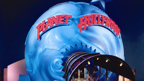 Dining at Planet Hollywood with Priority Seating
