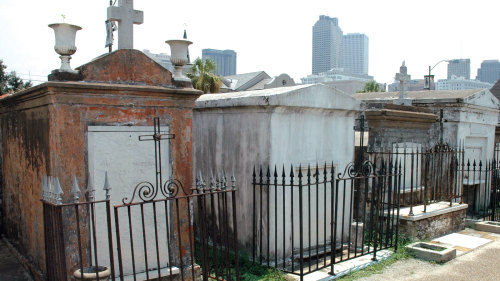 Historic City & Cemetery Tour