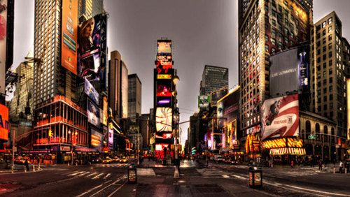 The Big Apple in Lights: Evening Sightseeing Tour with Harbor Cruise