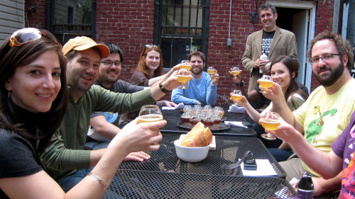 Small-Group Williamsburg Beer Crawl Tour by Urban Adventures