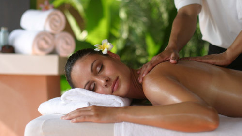Ayurvedic Herbal Spa Massage by Viet Spa
