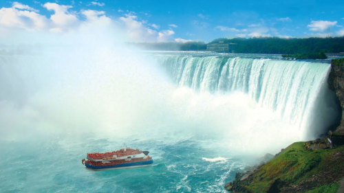 Gray Line: Niagara Falls Day Tour & Cruise