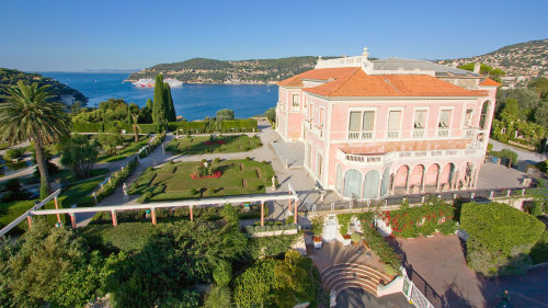 Small-Group Villefranche-sur-Mer & Rothschild Villa Tour