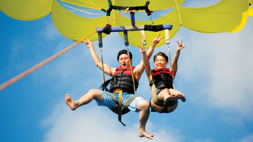 Parasailing Experience for Families, Couples & Friends