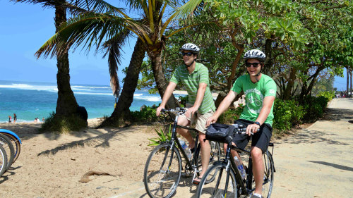 Explore the North Shore Bike Tour