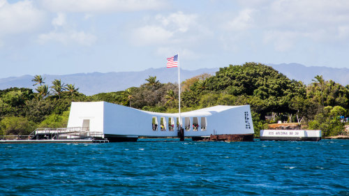 Pearl Harbor Audio Tour & Admission to the USS Bowfin Submarine