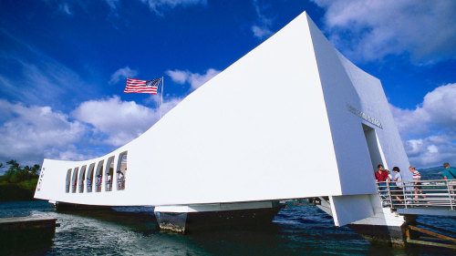 USS Arizona Memorial & Aloha Stadium Swap Meet Tour