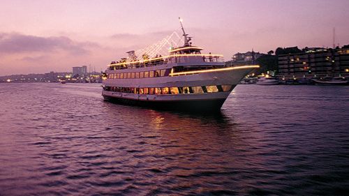 Starlight Dinner Cruise from Newport Beach by Hornblower Cruises & Events