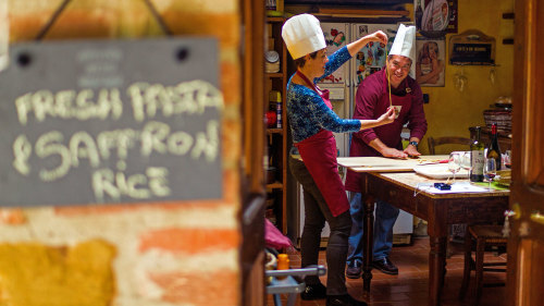 Cooking Class in Tuscany: Farmhouse Experience by Walks of Italy