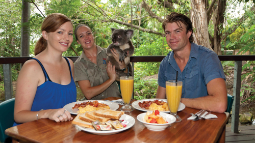 Breakfast at Cairns Tropical Zoo