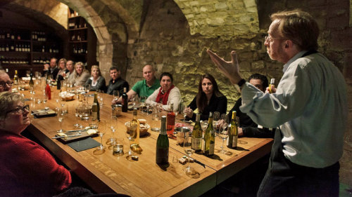 French Winetasting Classes in a Parisian Cellar by O Chateau